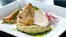 pescado-alorenzado-sobre-pepian-verde